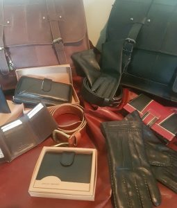 These leather wallets are sourced form the best quality leather and workmanship, with 31 years experience in the leather trade we can guarantee all our products. All our leather wallets are made of top qaulity cow hide, which gives them the durability of years worth of wear, as well as feeling fantastic and luxurious. When dealing direct with us, you will save between 25-50% on the retail price and some times more. These wallets are brought in to fit the NZ notes, credit and bank cards. We offer a 7 days money back guarantee and also free shipping through out New Zealand Leather image is a Christchurch importer and online retailer of top quality leather products. We stock a large range of: Male and Female leather wallets, leather dress gloves, briefcase/Satchels, belts and leather skins. We have been in the leather business since 1989 and have had retail outlets in Christchurch, Wellington and Auckland. Which has earned an excellent reputation as one of the leading manufacturer importer and retailer of quality leather products. Leather Image now have a large range of leather wallets, gloves, briefcases, belts and finished leather skins that can be brought through our online shop. At Leather Image we take great pride in the leather products that we import. We pick only the best quality leather available and when combined with the excellent construction techniques. The finished product is far superior to that of many other imported and local leather products. With 31 years experience in the leather trade in both manufacturing and importing. It give us the edge in sourcing only the best leather and products. Combined with dealing direct with our customer, you get a top quality product at a price that well under the retail value. Our goal is to provide you with the best quality products and services at affordable prices. Our online shop displays a full range of leather products, ready to be delivered to your doorstep, anywhere in New Zealand free of charge. We also give a full money back guarantee if returned with in 7 days un-used The product range includes leather wallets, leather belts, leather gloves, leather briefcases and leather skins (lamb skins and cowhide) and with 31 years in the leather industry I can guarantee that the quality and price will be very hard to beat.